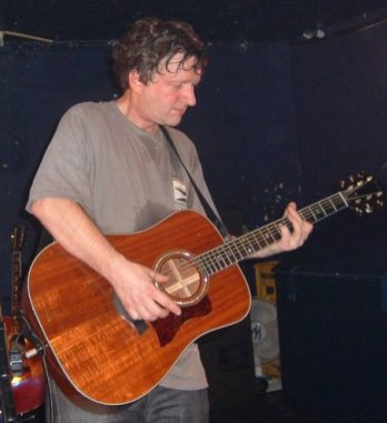 Glenn Tilbrook live at The Witchwood, Ashton 26 February 2003