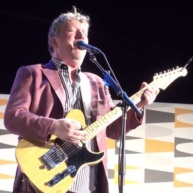 "zoostation5000 Glenn Tilbrook (along with collaborator Chris Difford), performing their Squeeze classic, ""Pulling Mussels (From the Shell). Last night."