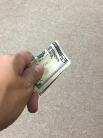 how to tip on vacation