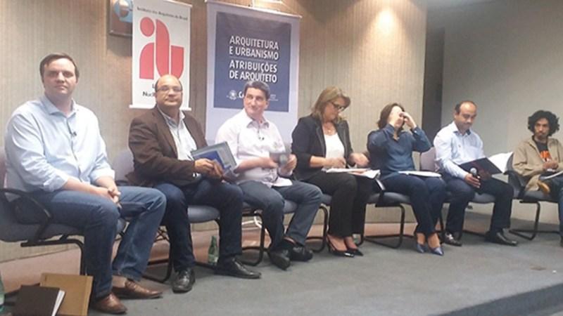 André Trindade (PPS), Luciano Odebrecht (PMN), Valter Orsi (PSDB), Sandra Graça (PRB), Flavia Romagnoli (Rede), Odarlone Orente (PT) e Paulo Silva (PSOL)