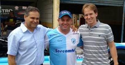 Canuto, o piloto Leandro Totti, e Prochet