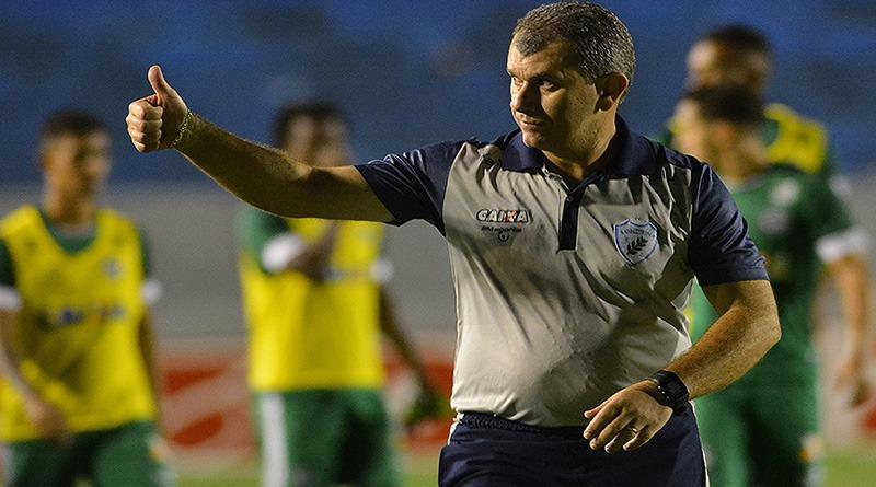 Cláudio Tencati deixa o Londrina Esporte Clube