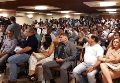 Centenas participam da reunião para discutir ações contra o aumento abusivo do IPTU