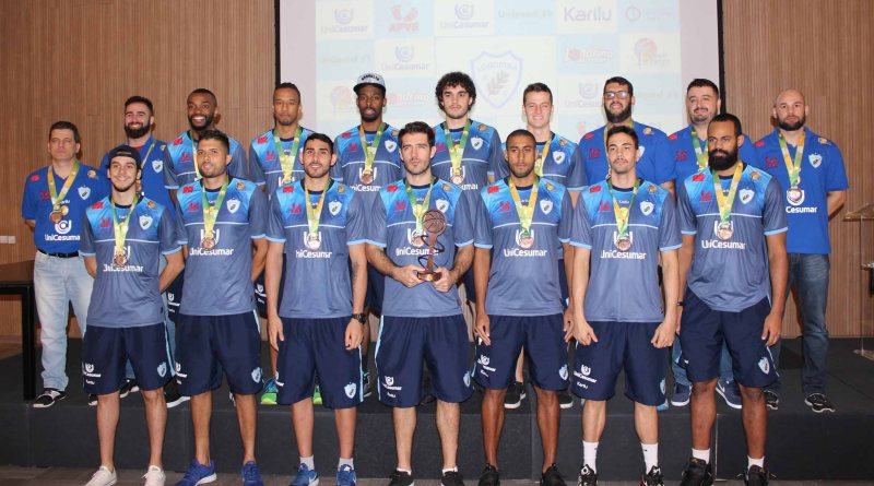 Londrina Unicesumar recebe troféu e fará jogos treinos com a Seleção Sub-21 de Basquete
