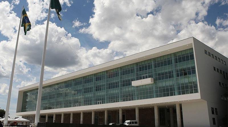 Mais uma vez um Palácio Iguaçu que dá as costas para Londrina
