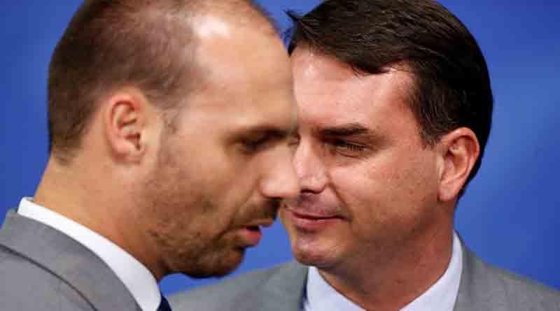 Facebook derruba rede de desinformação ligada a família Bolsonaro