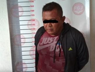 Pobladores de Texcoco casi linchan a sujeto acusado de robo
