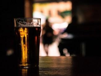 Un niño de solo 11 años murió durante una competencia de bebedores de cerveza