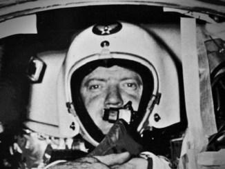 El primer hombre en cruzar solo el Atlántico en un globo de gas