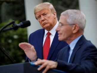 Trump amenaza con despedir al epidemiólogo de la Casa Blanca
