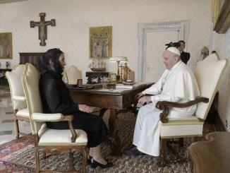 Beatriz Gutiérrez Müller se reúne con el Papa Francisco
