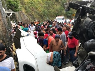 Rapiñan tráiler cargado de lácteos en Chiapas #VIDEO