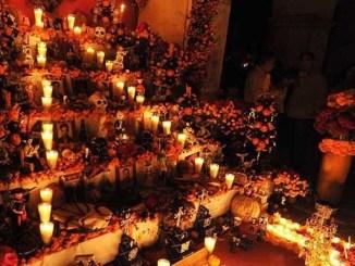 Por esta razón el altar del Día de Muertos debe tener siete niveles