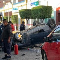 ¡Terrible accidente! Bebé sale disparado por el parabrisas en choque vehicular