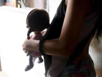 Detienen a mujer que pretendía obligar a su hija de 10 años a quedar embarazada por ella