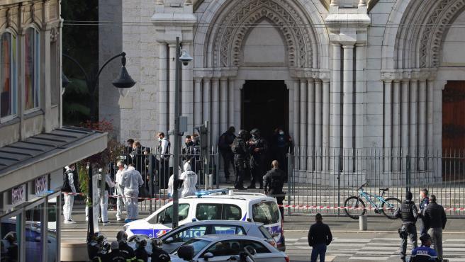 Así fue el ataque terrorista en la catedral de Niza, que dejó 3 muertos