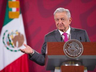 López Obrador dice que tienen hasta fin de mes para renunciar, funcionarios que quieran participar en elecciones