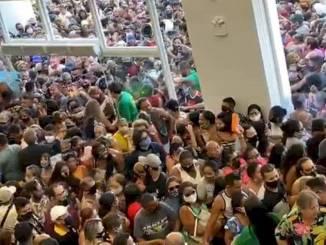 En Brasil realizan multitudinaria apertura de tienda, en plena pandemia #VIDEO