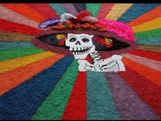 Así son los coloridos tapetes para los muertos