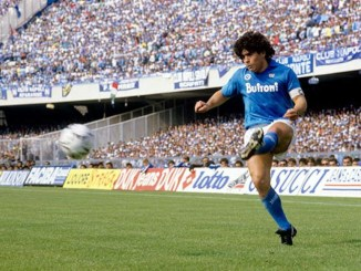 El increíble paso de Maradona por el Nápoles #VIDEO