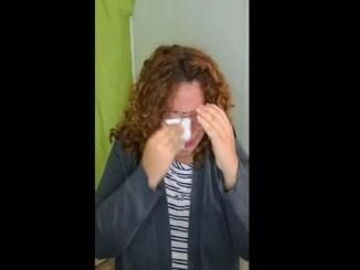 Maestra llora durante clase en línea porque sus alumnos la ignoran #VIDEO