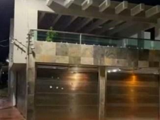 Balean casa de edil veracruzano, a días de asesinato de alcaldesa