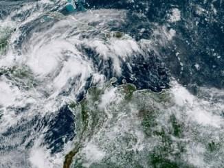 """Nicaragua y Honduras en alerta por huracán """"Eta"""", ya es categoría 3"""