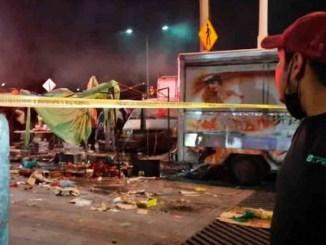Tres heridos graves deja explosión de tianguis de pirotecnia en Celaya