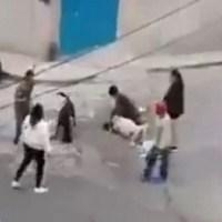 Graban en #VIDEO pelea entre familias a machetazos, en Naucalpan