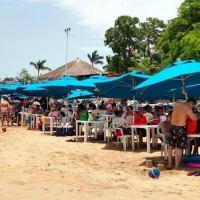 Turistas son desalojados de Acapulco para evitar contagios COVID