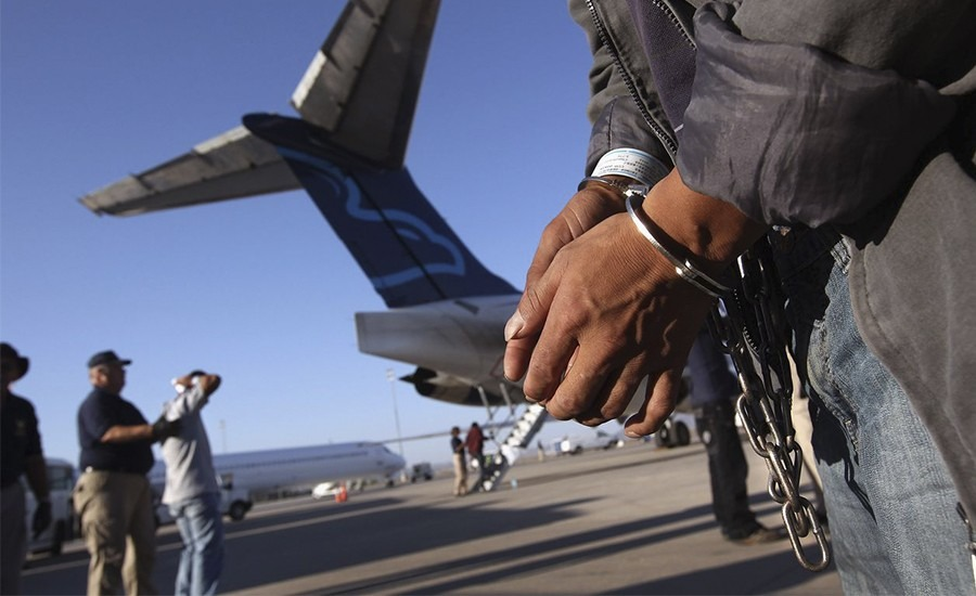 Entrega EU a FGR a mexicano acusado de abusar de menor de edad