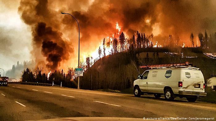 México envía segundo contingente para apoyar en incendios forestales en Canadá