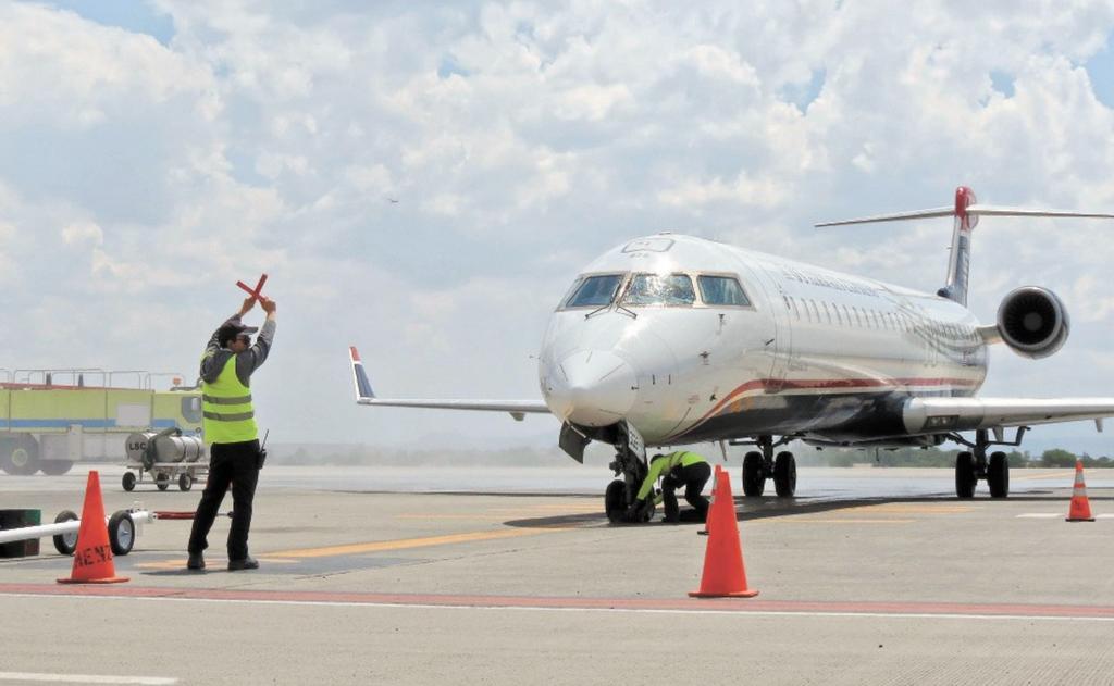 Firma SCT con EU convenio para recuperar grado de seguridad aérea