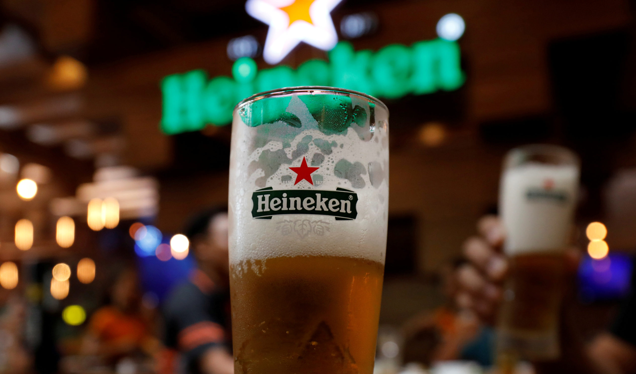 Gracias a la reapertura de restaurantes y cafés, Heineken reporta beneficios