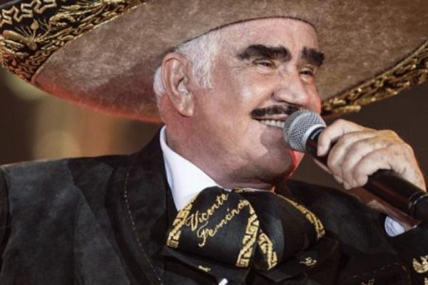 Vicente Fernández podría salir de terapia intensiva, informa su familia