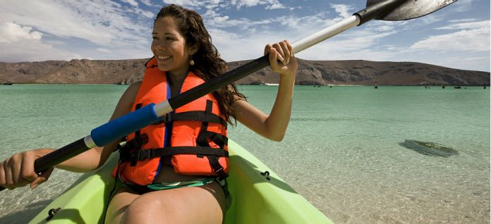 How to paddle a kayak correctly