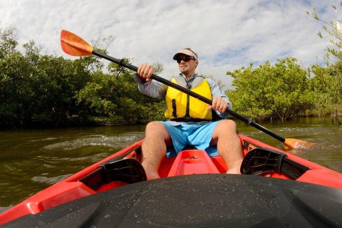 9 Insanely Helpful Kayaking Tips for Beginners