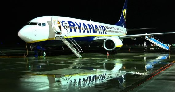"Ryanair Announces Plan to Cancel Thousands of Flights in a Bid to ""Improve Punctuality"""