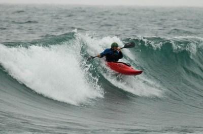 Kayak surfing at Minnesota's 121.