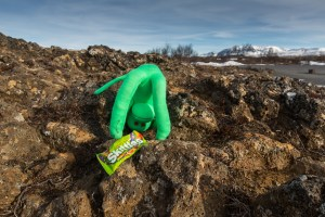 Welshot monkey pays homage to Dave Handley at þingvellir