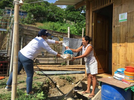 "In Ecuador, PADF supports the ""Dar una mano"" campaign, led by local and national government, to distribute food to those in need during this critical time."