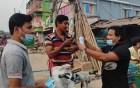 রাজশাহীতে জেলা ছাত্রলীগের মাস্ক বিতরণ