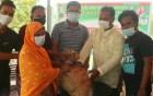 নওগাঁ জেলা ছাত্রলীগের উদ্যোগে ত্রাণ সামগ্রী বিতরন
