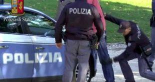 Caserta – Banconote false, arrestato 37enne dopo breve inseguimento