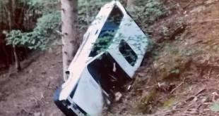TEANO – Fuori strada con l'auto, ferite due donne