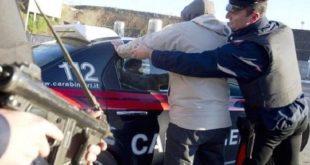 Vairano Patenora / Caianello / Sesto Campano – Scippa una donna e poi scappa, catturato sulla Venafrana dopo un lungo inseguimento
