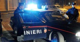 Vairano Patenora – Movida violenta, si schianta con l'auto e aggredisce i carabinieri: arrestato (il video del fermo)