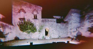 """ROCCAROMANA – Giardino Segreto, """"Viaggio a Roccaromana"""": teatro, natura e fantasia"""