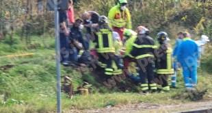 Calvi Risorta / Sparanise – Travolto dalla zappatrice, 55enne perde le gambe (il video)