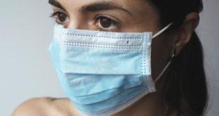 Aumentano irritazioni e dermatiti al viso a causa della mascherina: come difendersi?